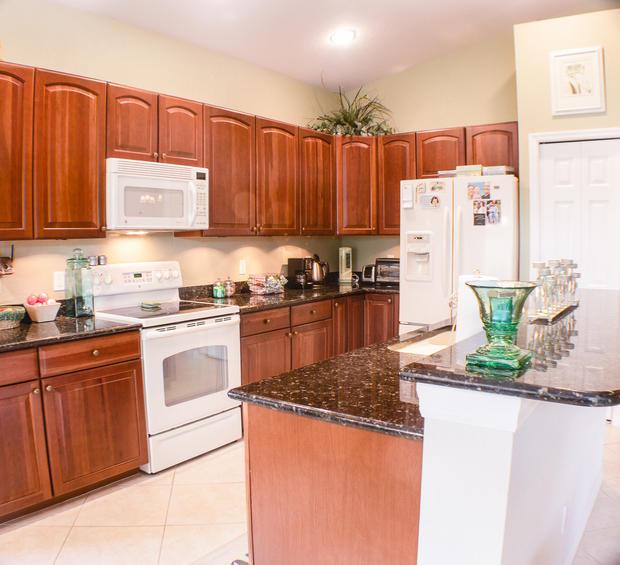 Kitchen 1 (1 of 1).jpg