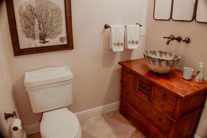 Half Bathroom (1 of 1).jpg