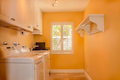 Laundry Room (1 of 1).jpg