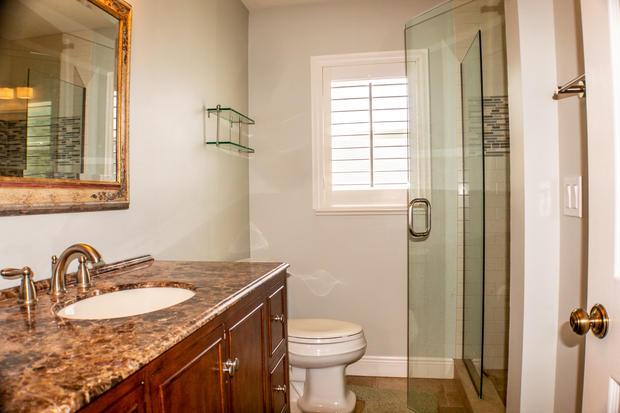 Guest Bathroom (1 of 1).jpg