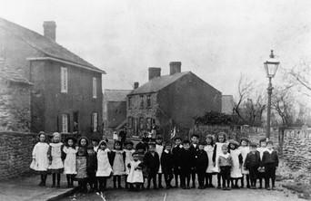 Scholes Village 1906.jpg