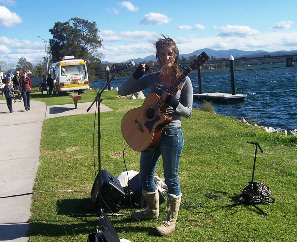 Emily Rigz busking at Moruya Marketing