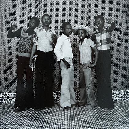 """Maurice Bidilou dit """"Pellosh"""" - Bande d'amis, Pointe-Noire - 1974"""