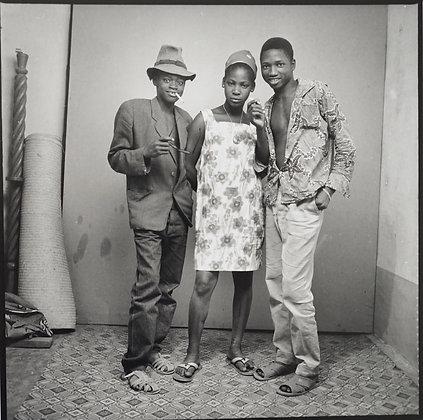 Malick Sidibé - A nous trois dans le studio - 1968