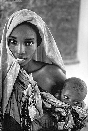 José Nicolas - Une jeune femme somalienne avec son enfant - Mogadisho, 1992