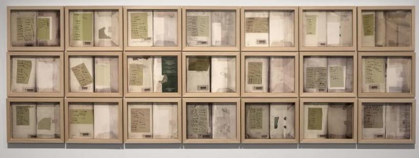 Oussama Tabti, Stand By, tirage numerique sur papier, 2011 / 36.7 x 48.8 x 3 cm