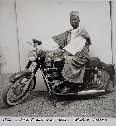 Malick Sidibé - Seul sur ma moto - 1964