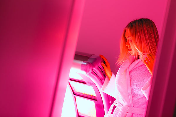 red-light-therapy-lux-tan-and-cryotherap