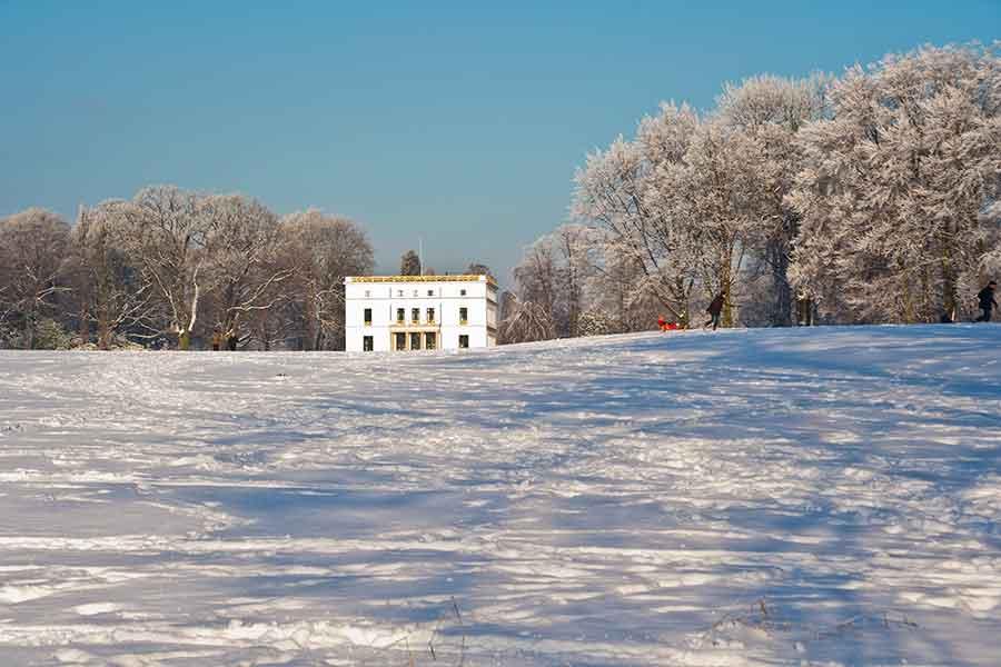 Jenichhaus-im-Winter