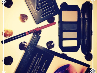 Who would give free make up products to a Make Up Junkie like myself! @Katvondbeauty #everlastinglip