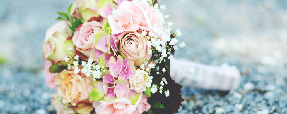 Bouquets-and-Flowers-Header.jpg