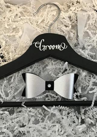 Olivlee - Groom Accessories