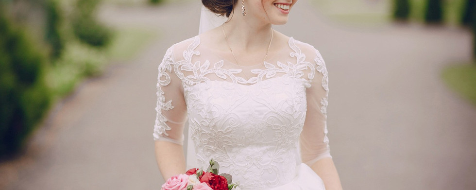 Wedding-Dresses-Header.jpg
