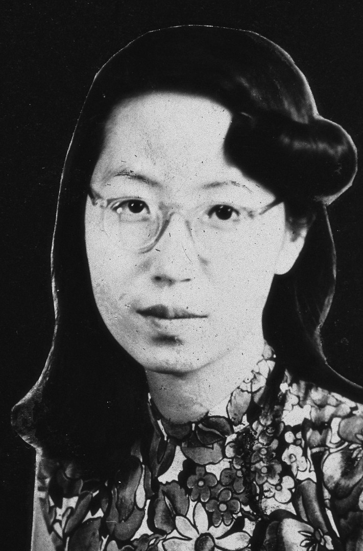 Portrait of Chang as a college student (© Roland Soong and Elaine Soong through Crown Culture Corporation) 大學時代的張愛玲 ©宋以朗、宋元琳  經皇冠文化集團授權