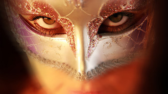 Caro mit Maske web.jpg