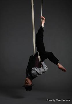 Speakeasy - aerial strapeze act