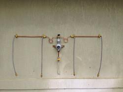 Gas manifold regulator kit