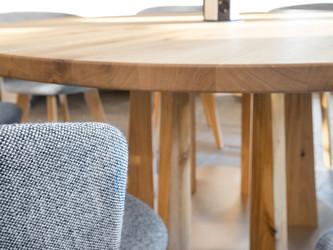 Holz modern in Szene gesetzt
