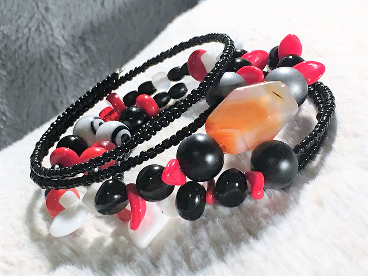 Red & Black Agate Memory Wire Bracelet