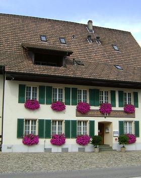 Gasthaus_Zum_weissen_Rössli.jpg