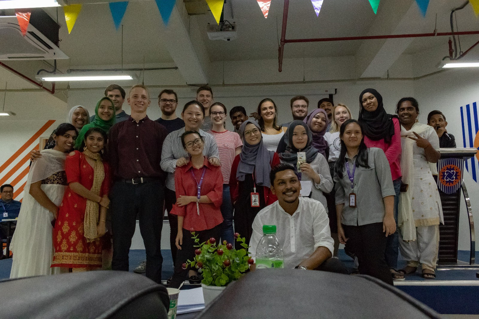 Rotterdam students with Malaysian studen