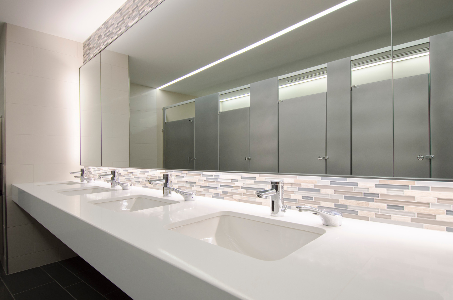 plan-commercial-bathroom-to-energize-the