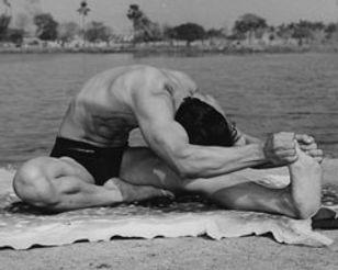 stretchingpose-small.jpg