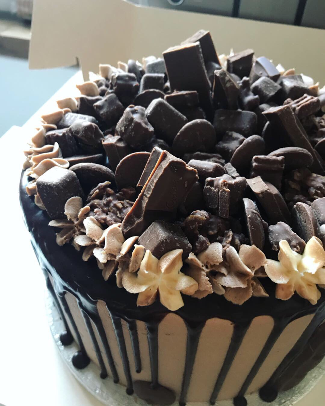 Galaxy drip cake_LHK