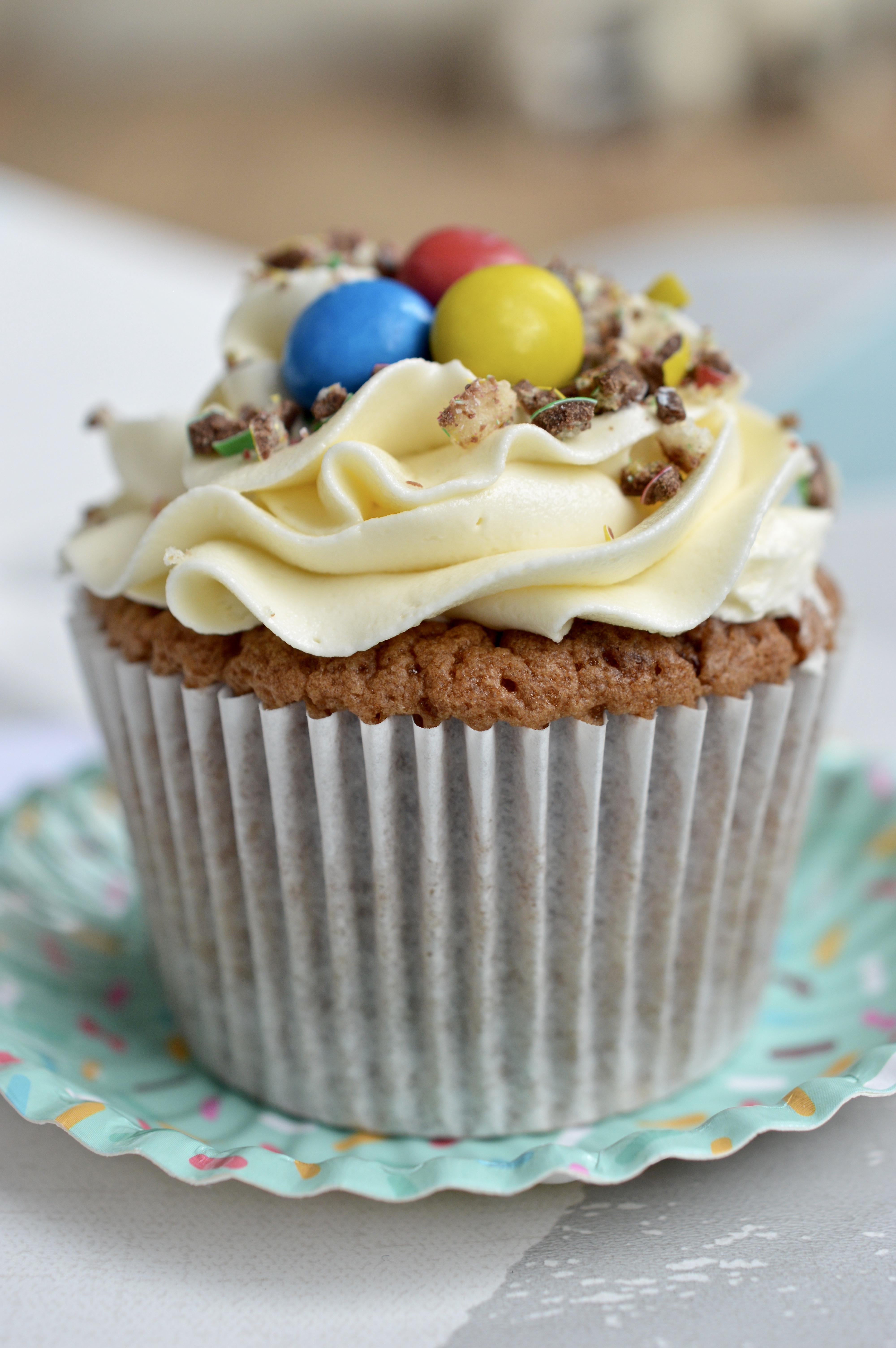 M&M Crispy Cupcakes_LHK