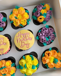 Mothers Day Cupcakes_LHK