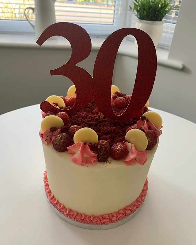 30th Birthday Cake_LHK
