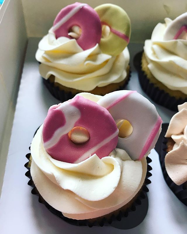 Party Ring Cupcakes_LHK