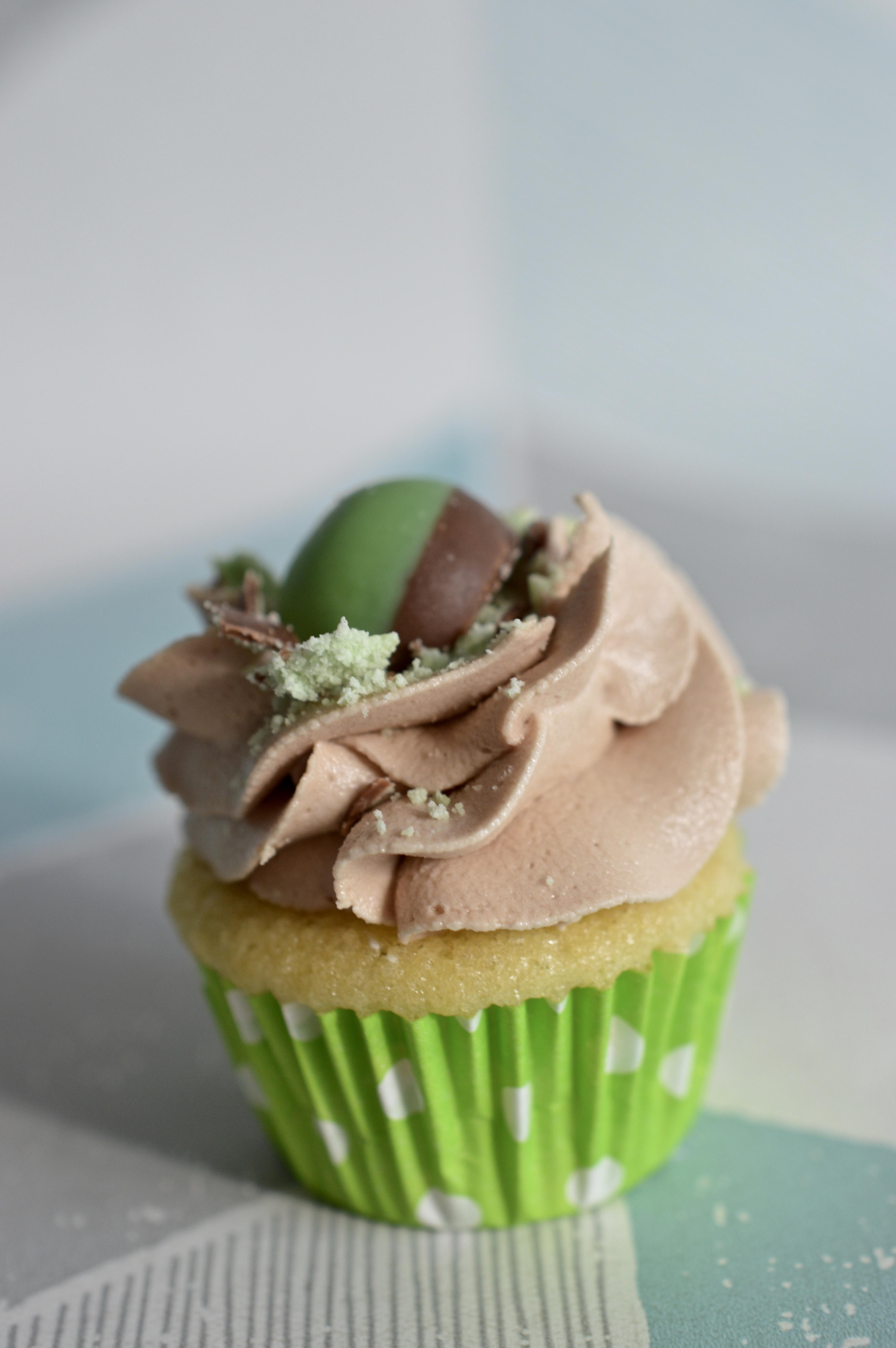 Mini Mint Aero Cupcake