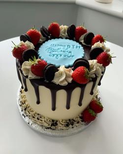 Oreo Drip Cake_LHK