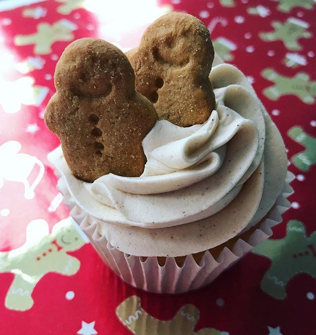 Gingerbread cupcakes_LHK