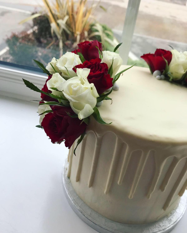 "6"" Drip Cake_LHK"