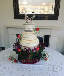 Semi-Naked Wedding Cake_LHK