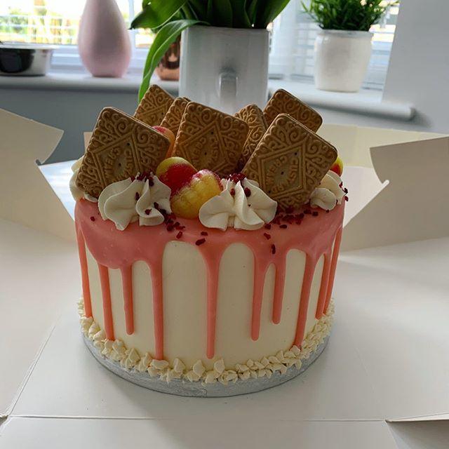 Rhubarb and custard cake_LHK
