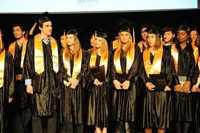 La robe universitaire, objectif du futur diplômé