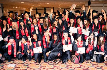 La tenue de remise de diplômes, un événement marquant