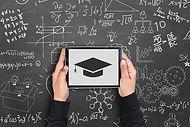 contactez-leslaureats.com-devis-achat-toques-et-toges-de-diplomes-ecoles-universites