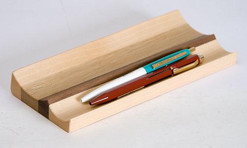 Amazing Pen Tray