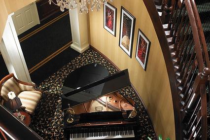 LON_Staircase_Piano.jpg