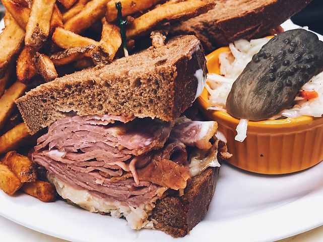 reuben-sandwich-platter-with-french-frie