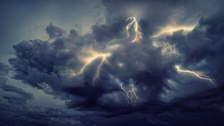 thunderstorm-5398664.jpg