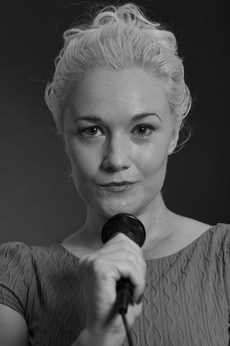Profile for Actor Dita Kelly