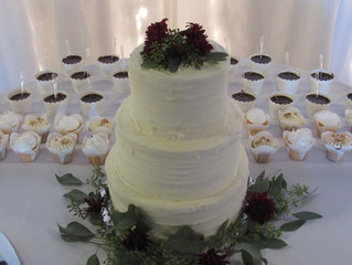 Traditional Trivia: The Wedding Cake...