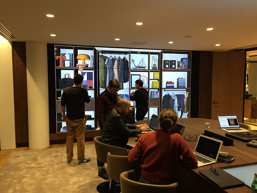 Tommy Hilfiger Digital Showroom