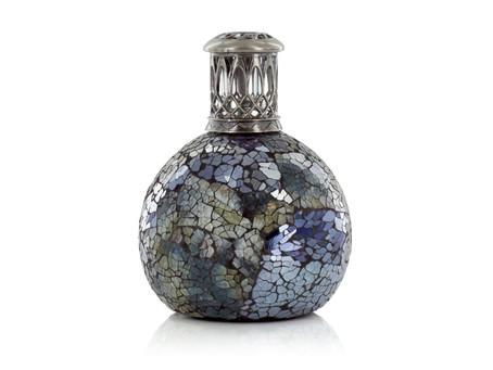 Les parfums d'intérieur Ashleigh & Burwood en exclusivité boutique chez Au fil des Espaces !
