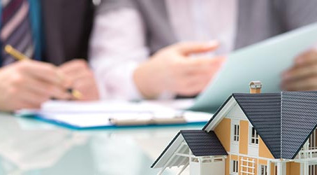 Should I Share My Insurance Paperwork With My Contractor?